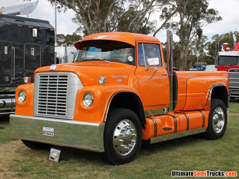 International Loadstar 1800 Ute
