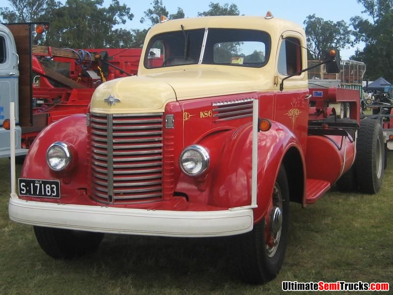 Classic Old Semi Trucks http://ultimatesemitrucks.com/classic_trucks_large_11.html