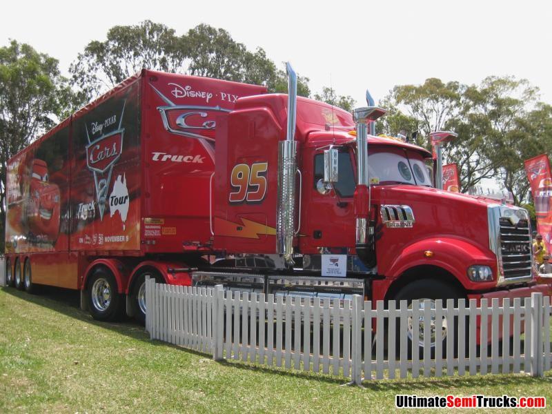 Mack Trucks Wallpapers >> UltimateSemiTrucks.com: 2011 Brisbane Convoy for Kids Mack Cars 2